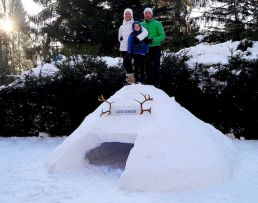 Construction d'Igloo en famille